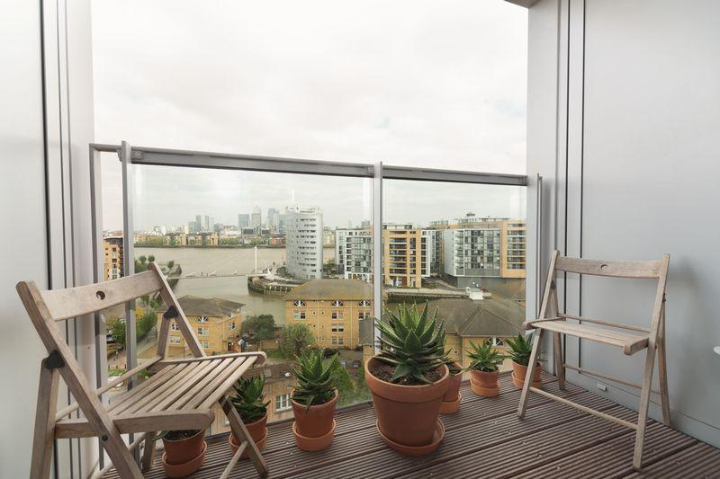 3 Bedrooms Apartment Flat for sale in Laban Walk, Greenwich, SE8