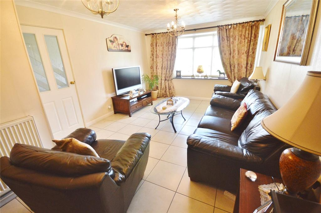 3 Bedrooms Terraced House for sale in Nottingham Close, Garston, Hertfordshire, WD25