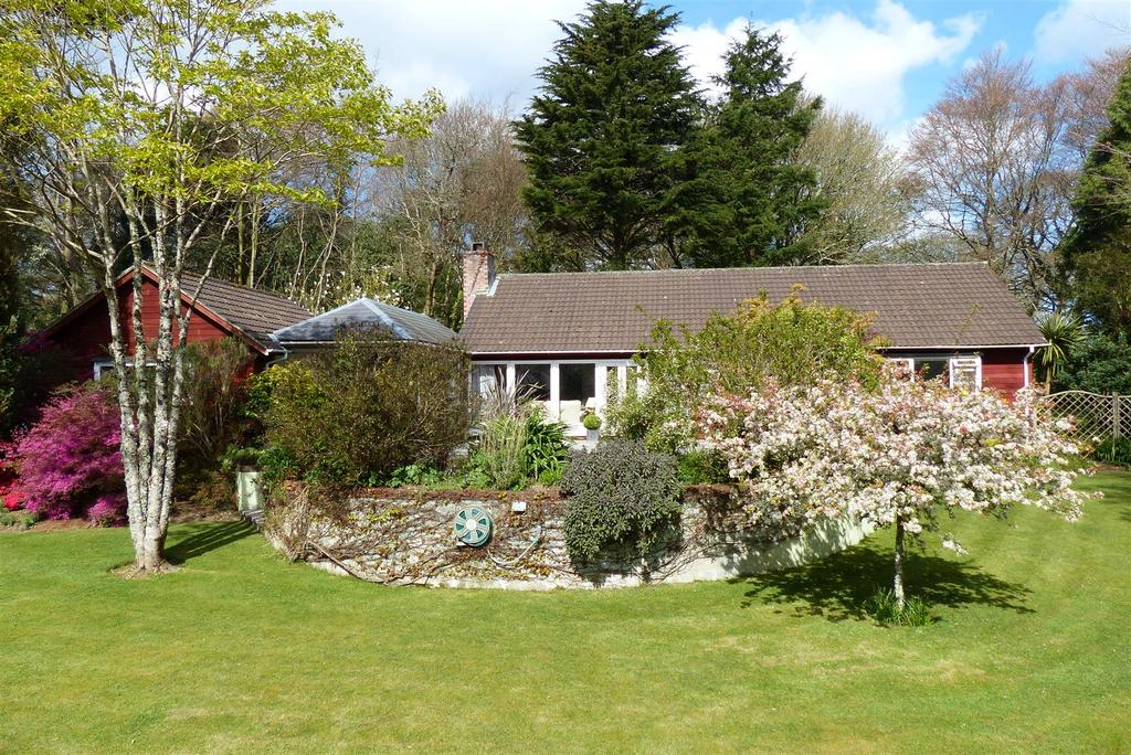 3 Bedrooms Detached Bungalow for sale in Perranarworthal, Truro