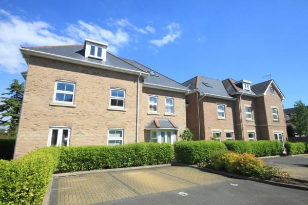 2 Bedrooms Apartment Flat for sale in Alumhurst Road, Alum Chine, Bournemouth