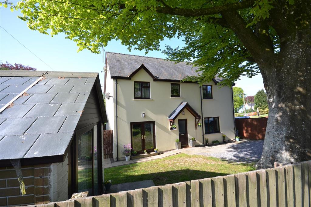 4 Bedrooms Detached House for sale in Narberth