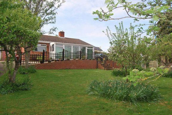 3 Bedrooms Detached Bungalow for sale in Washford