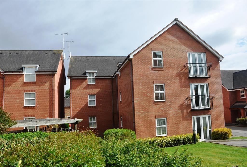 1 Bedroom Apartment Flat for sale in Birch Meadow Close, Warwick