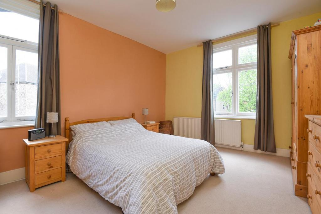 2 Bedrooms Flat for sale in St. Margarets Road, Brockley