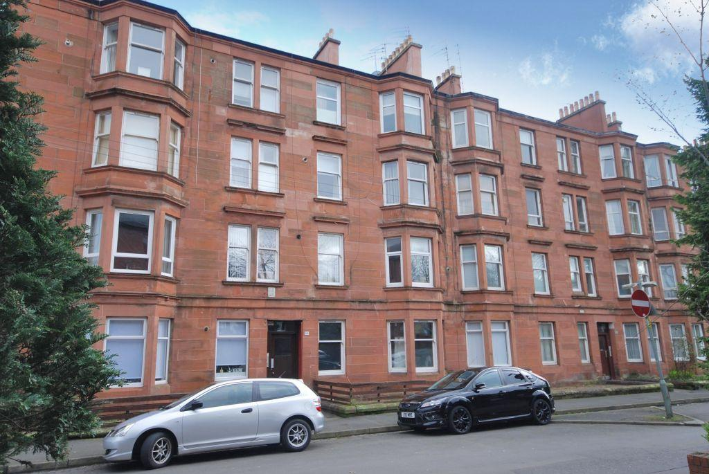 1 Bedroom Flat for sale in 3/3, 88, Eastwood Avenue, Shawlands, Glasgow, G41 3NZ