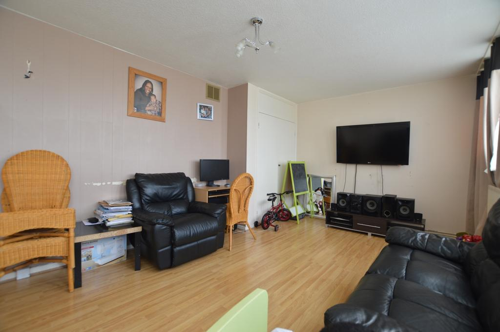 3 Bedrooms Flat for sale in Hazel Grove SE26