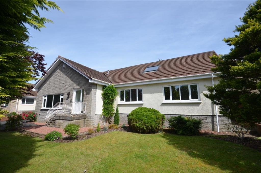 4 Bedrooms Detached Bungalow for sale in 16 Portmark Avenue, Alloway, KA7 4DD