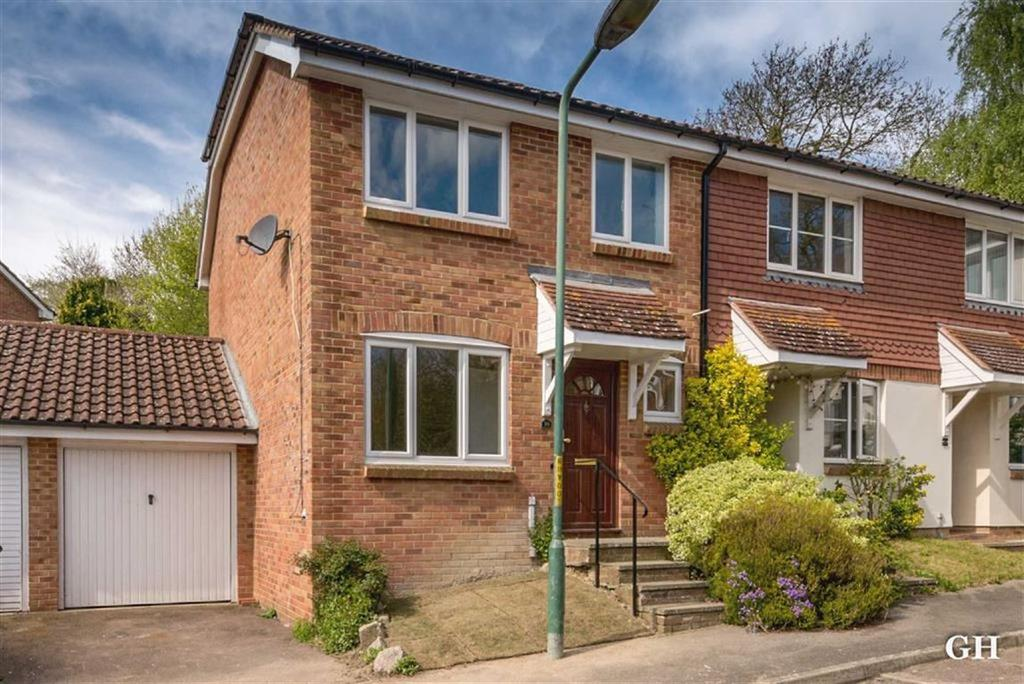 3 Bedrooms End Of Terrace House for sale in Bank Side, Hamstreet, Kent