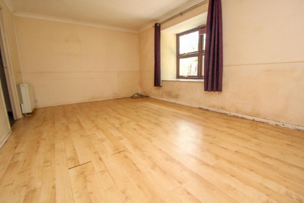 Gresham Court Gresham Road Brentwood Essex Cm14 2 Bed Apartment For Sale 260 000