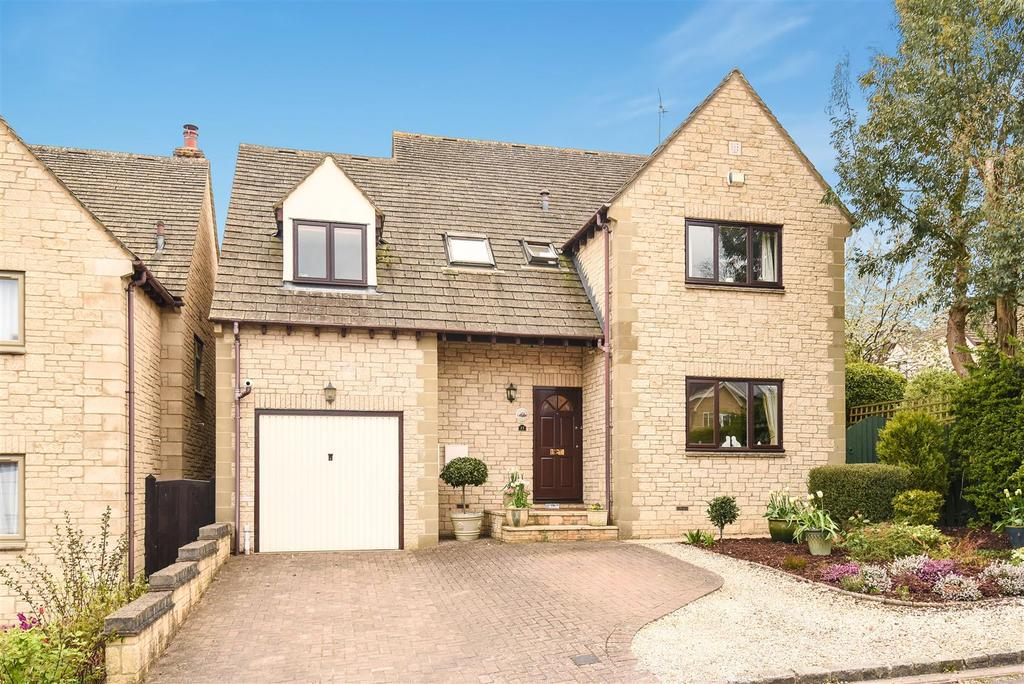 5 Bedrooms Detached House for sale in Parkside, North Leigh, Witney