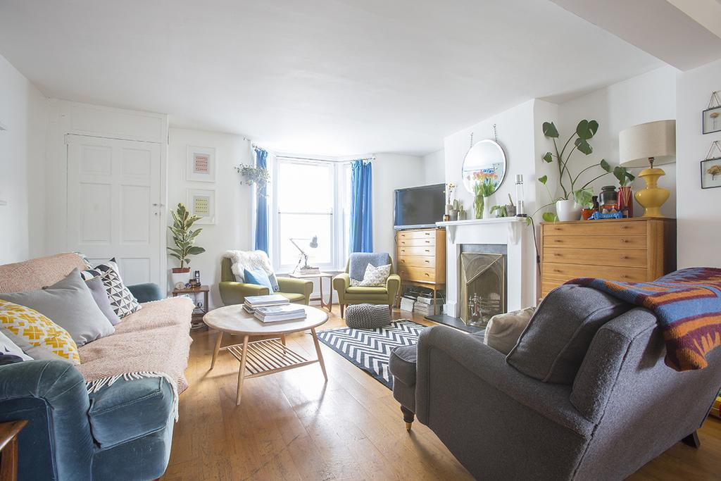 4 Bedrooms House for sale in Lockhurst Street, Hackney E5