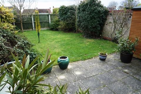 3 bedroom semi-detached house to rent - Nash Drive, Broomfield, CHELMSFORD, Essex