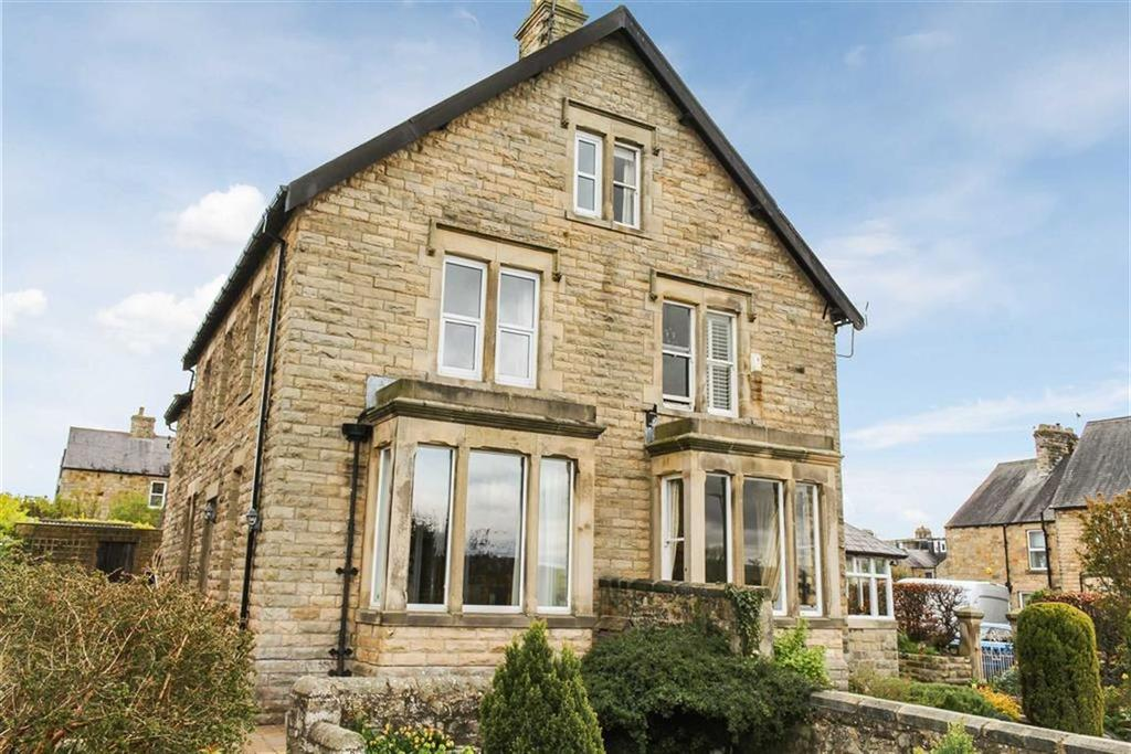 3 Bedrooms Semi Detached House for sale in Raby Avenue, Barnard Castle, County Durham