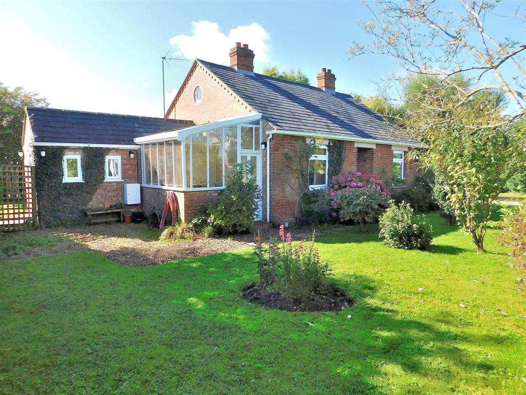 3 Bedrooms Detached Bungalow for sale in Bullock Road, Terrington St. Clement, King's Lynn