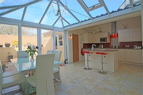 5 bedroom terraced house for sale - Sherbourne House, 15 Mount Row, St Peter Port