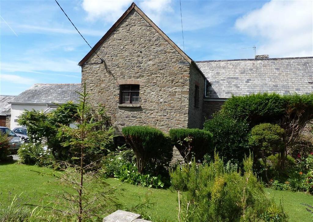 9 Bedrooms Semi Detached House for sale in East Street, Braunton, Devon, EX33
