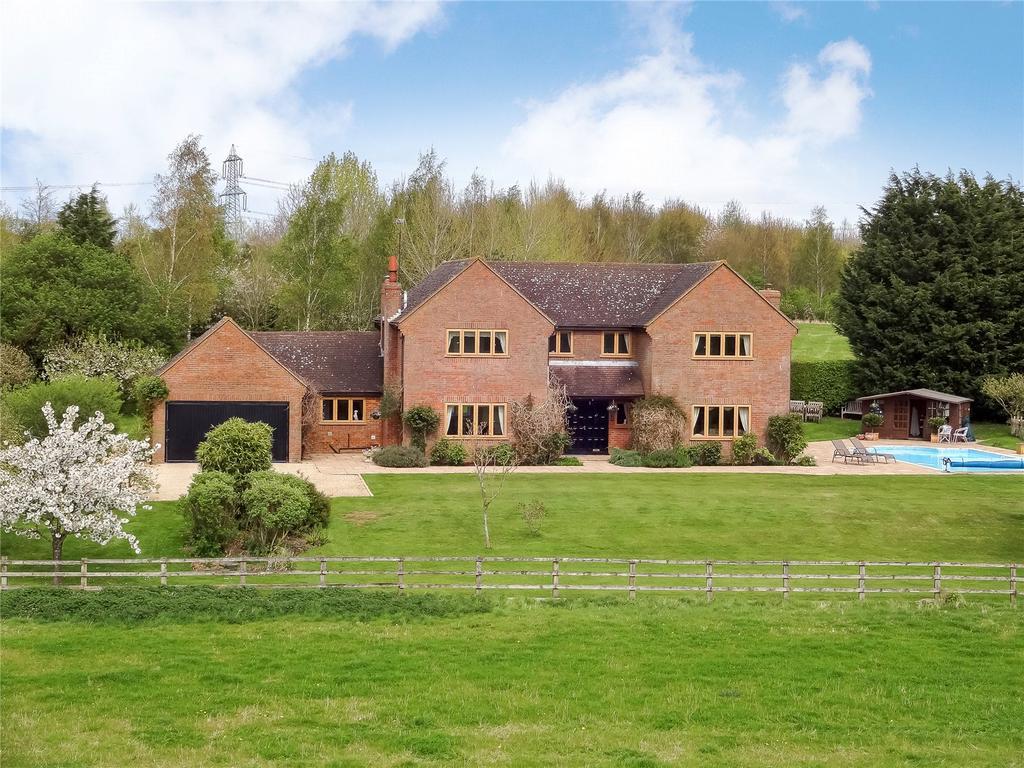 5 Bedrooms Detached House for sale in Kingswood, Aylesbury, Buckinghamshire
