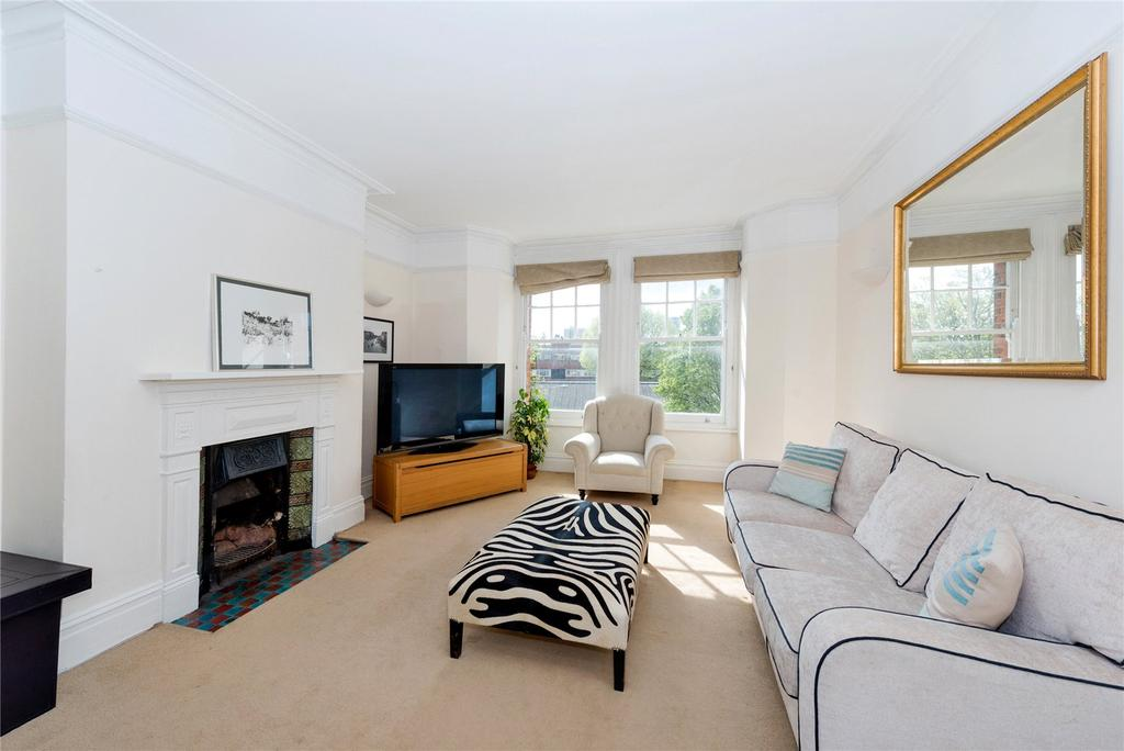 3 Bedrooms Flat for sale in Cambridge Mansions, Cambridge Road, London