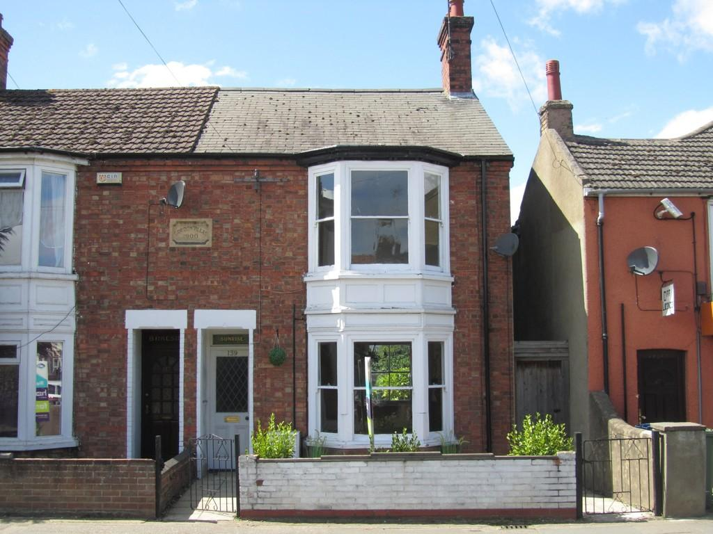 2 Bedrooms Semi Detached House for sale in Lynn Road, Wisbech