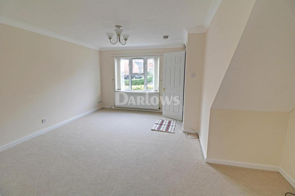 3 Bedrooms Semi Detached House for sale in Lowfield Drive, Thornhill, Cardiff