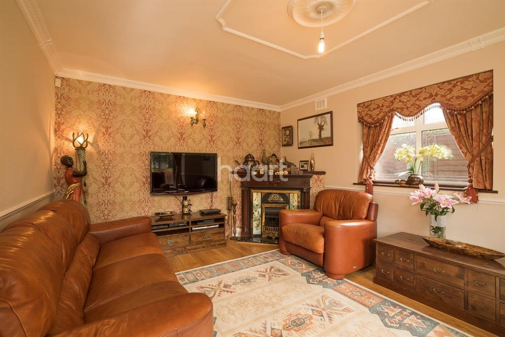 5 Bedrooms Semi Detached House for sale in The Vale, Southgate, N14