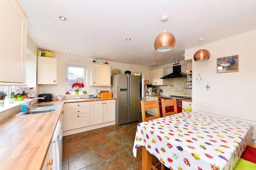 3 Bedrooms Semi Detached Bungalow for sale in Grosvenor Wood, Bewdley, Worcestershire, DY12