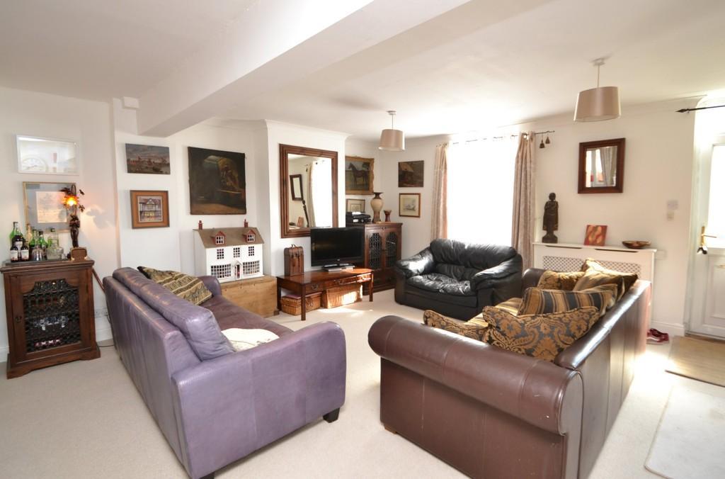 2 Bedrooms Terraced House for sale in Woodbridge Road, Ipswich, Suffolk