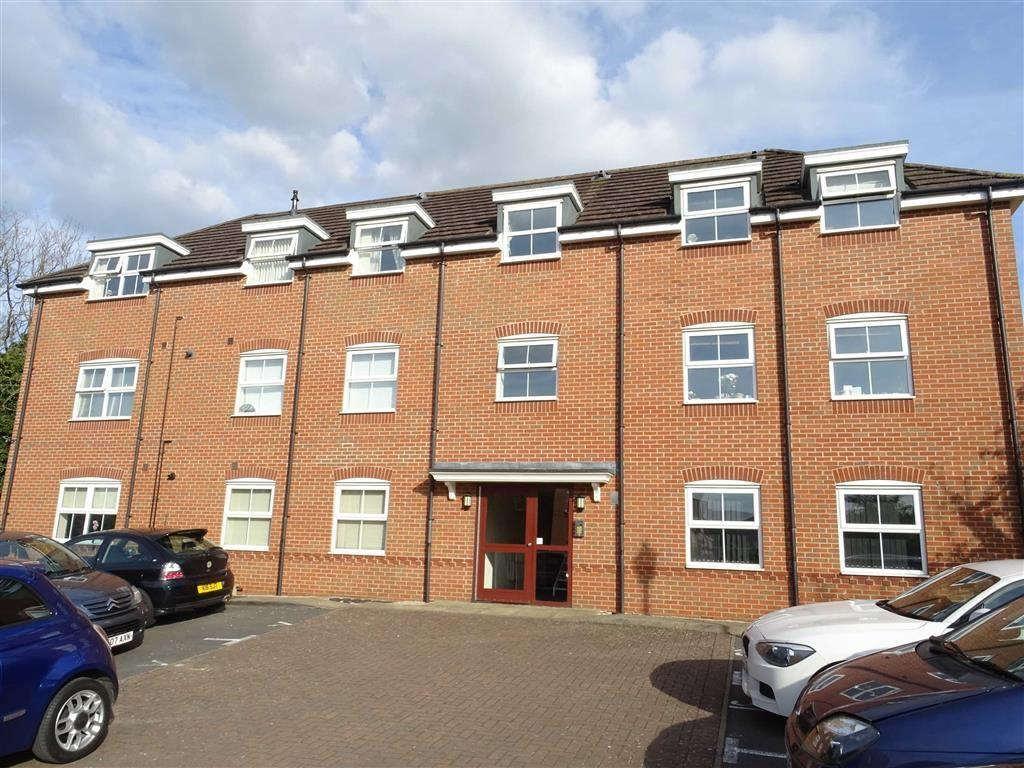 2 Bedrooms Flat for sale in Blossom Way, Hillmorton, Rugby