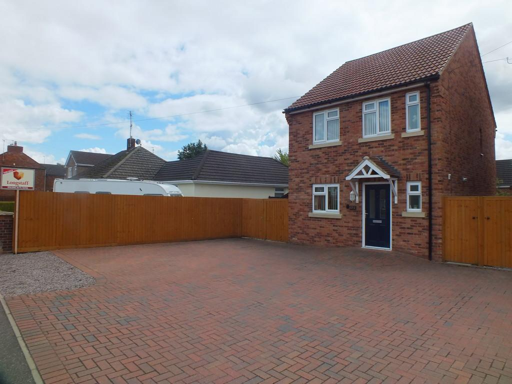 3 Bedrooms Detached House for sale in Bourne Road, Spalding