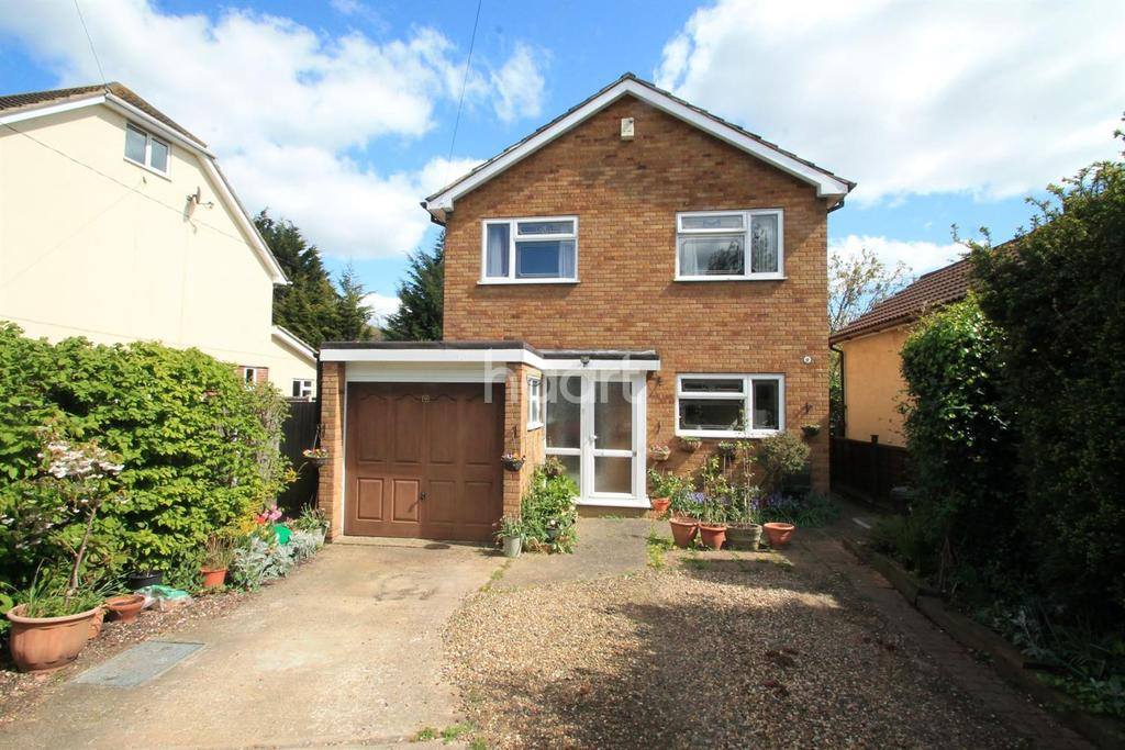4 Bedrooms Detached House for sale in Bellhouse Road, Leigh-On-Sea