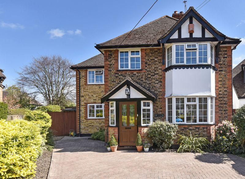4 Bedrooms Detached House for sale in Robert Road, Hedgerley, Buckinghamshire SL2