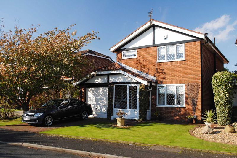 3 Bedrooms Detached House for sale in The Rowans, Poulton-Le-Fylde