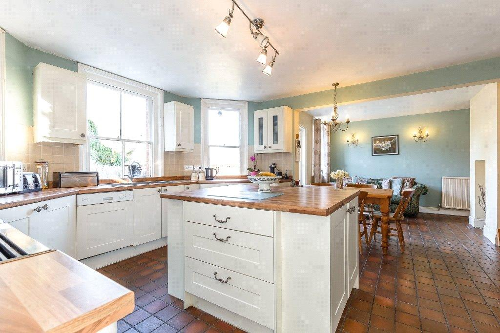 5 Bedrooms House for sale in Bath Road, Speen, Newbury, Berkshire, RG14