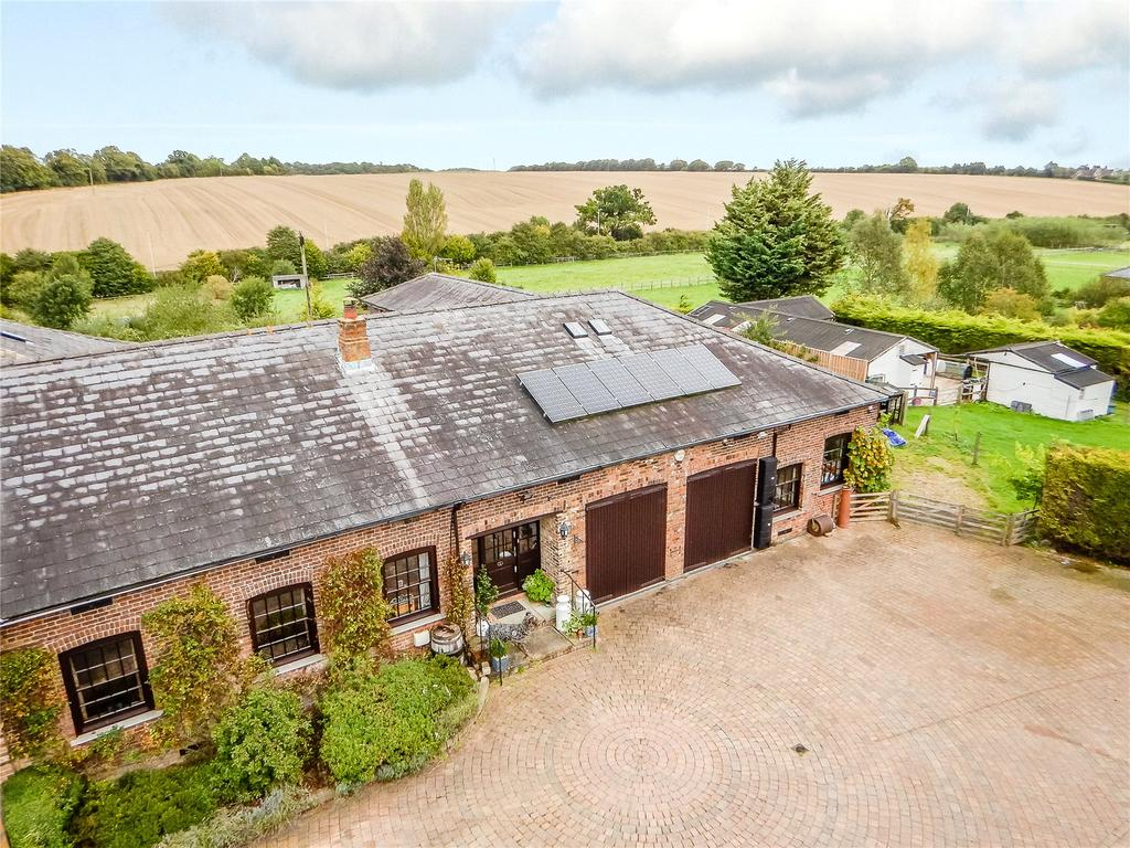 5 Bedrooms Equestrian Facility Character Property for sale in The Old Dairy, Kinsbourne Green Lane, Harpenden, Hertfordshire, AL5