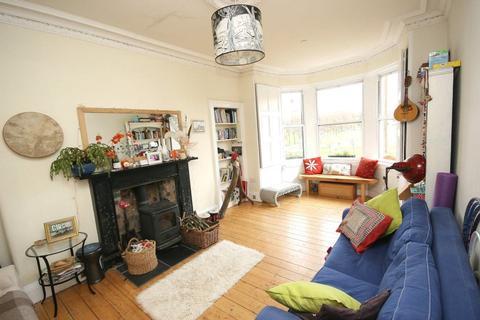 3 bedroom flat to rent - Harrison Gardens, Edinburgh