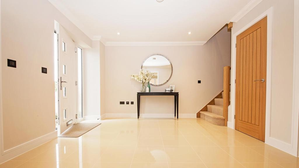 4 Bedrooms Detached House for sale in SHOW HOME NOW AVAILABLE TO VIEW BY APPOINTMENT