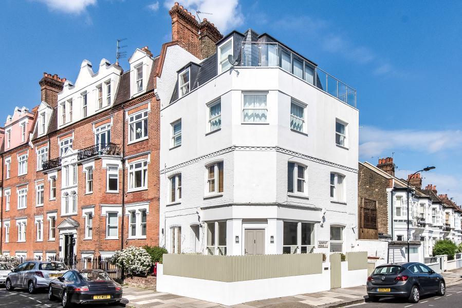 4 Bedrooms Flat for sale in Waldemar Avenue, Fulham, SW6