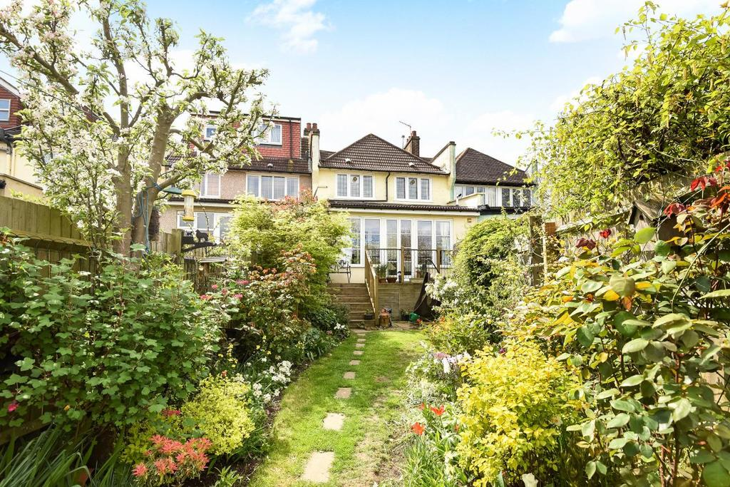 3 Bedrooms Terraced House for sale in Birchwood Road, Tooting, SW17