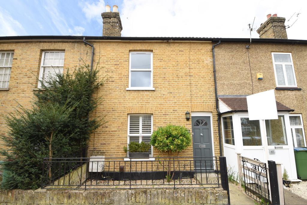 3 Bedrooms Cottage House for sale in St Marys Road, Weybridge, Surrey, KT13