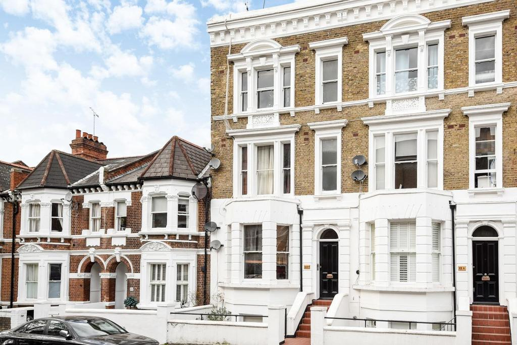 Studio Flat for sale in Lakeside Road, Brook Green