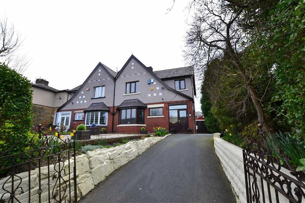 3 Bedrooms Semi Detached House for sale in Pasturegate, Burnley, Lancashire