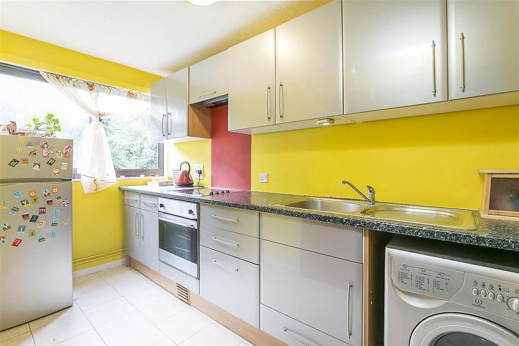 1 Bedroom Flat for sale in Rawnsley Avenue, Mitcham, CR4