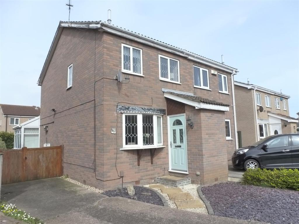 2 Bedrooms Semi Detached House for sale in Eskham Close, Cleethorpes
