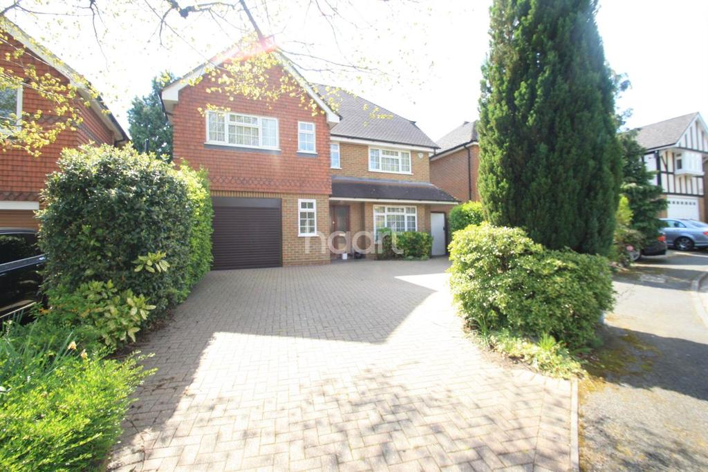 4 Bedrooms Detached House for sale in Heythrop Drive , UB10