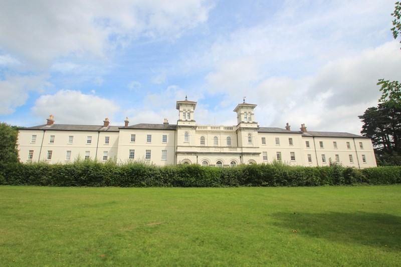 3 Bedrooms Apartment Flat for sale in NETLEY ABBEY, Southampton