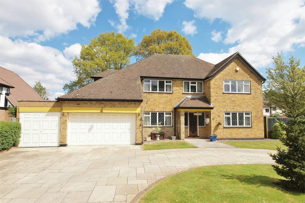 4 Bedrooms Detached House for sale in Wickham Way, Park Langley, Beckenham