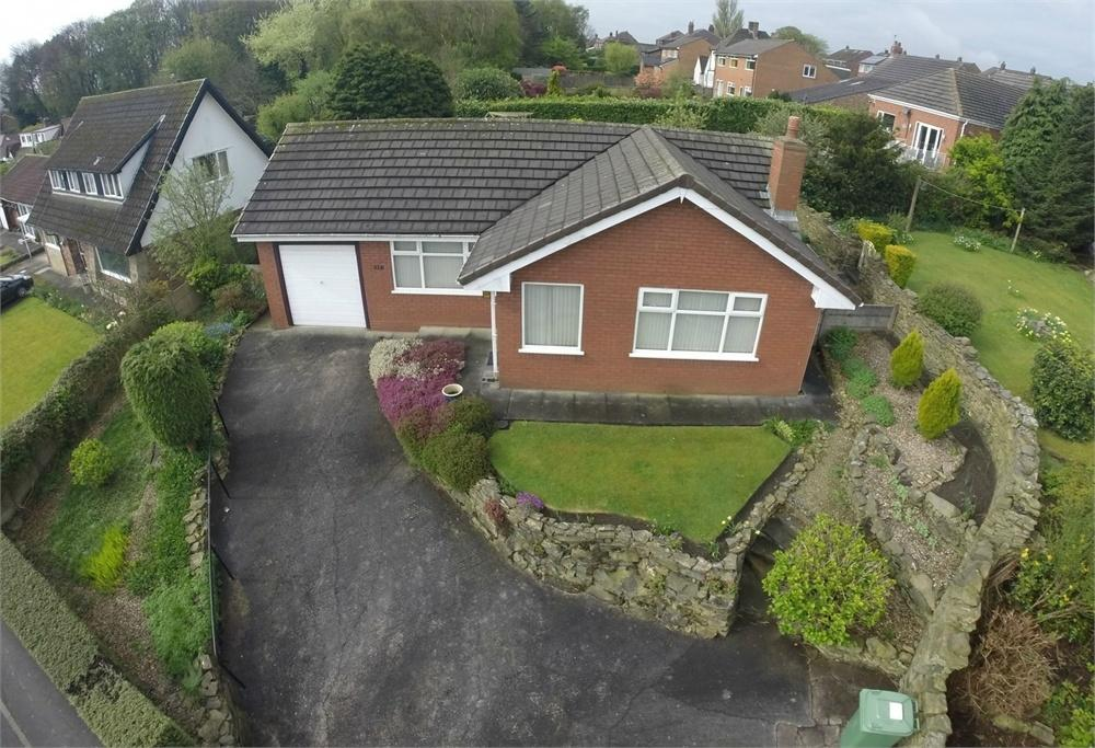 2 Bedrooms Detached Bungalow for sale in Broad Lane, Moss Bank, ST HELENS, Merseyside