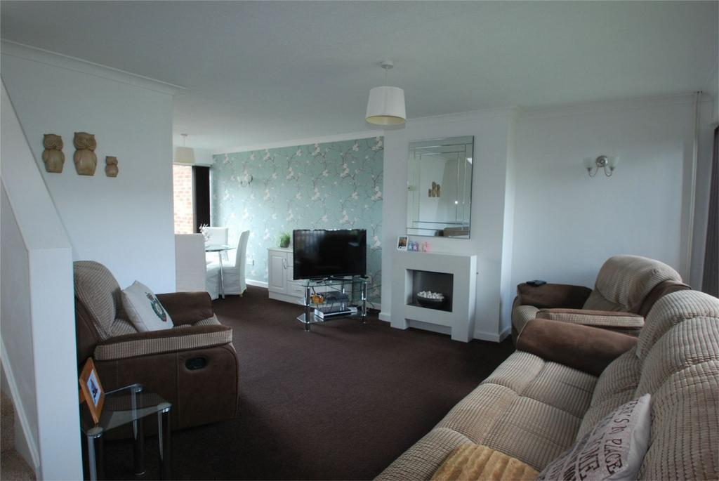 3 Bedrooms Semi Detached House for sale in Lenham
