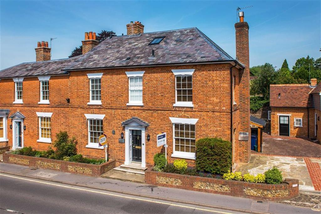 3 Bedrooms Apartment Flat for sale in West Street, Farnham, Surrey