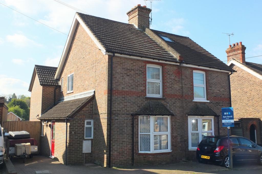 4 Bedrooms House for sale in Petlands Road, Haywards Heath, RH16